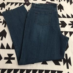 2 for $10 NWT Gloria Vanderbilt Jeans